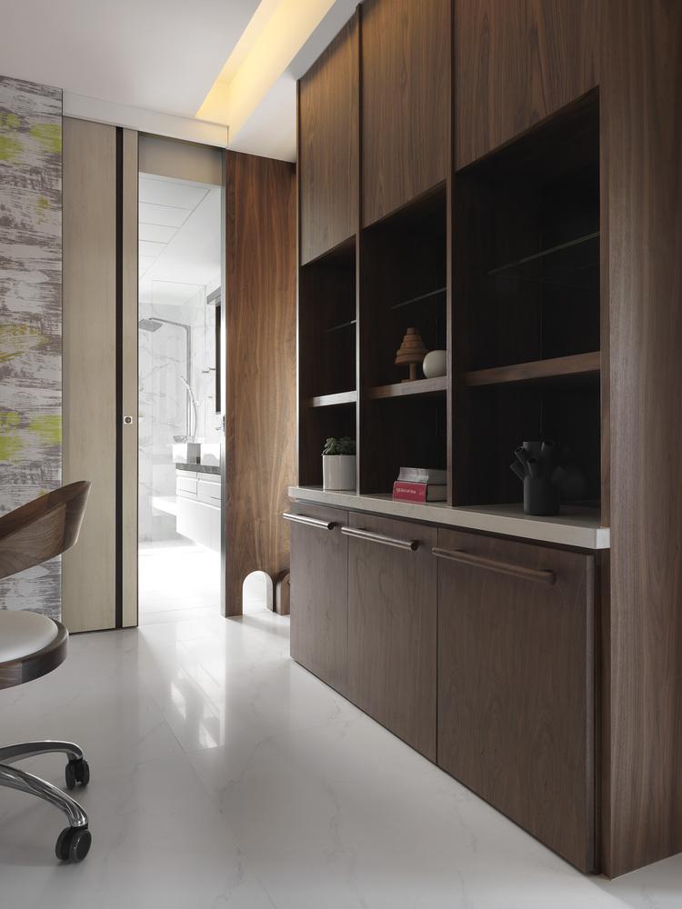 大户型现代风格装修餐边柜设计图