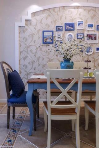 三居室地中海风格装修餐桌椅设计图