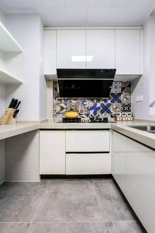 90平美式三居厨房装修效果图