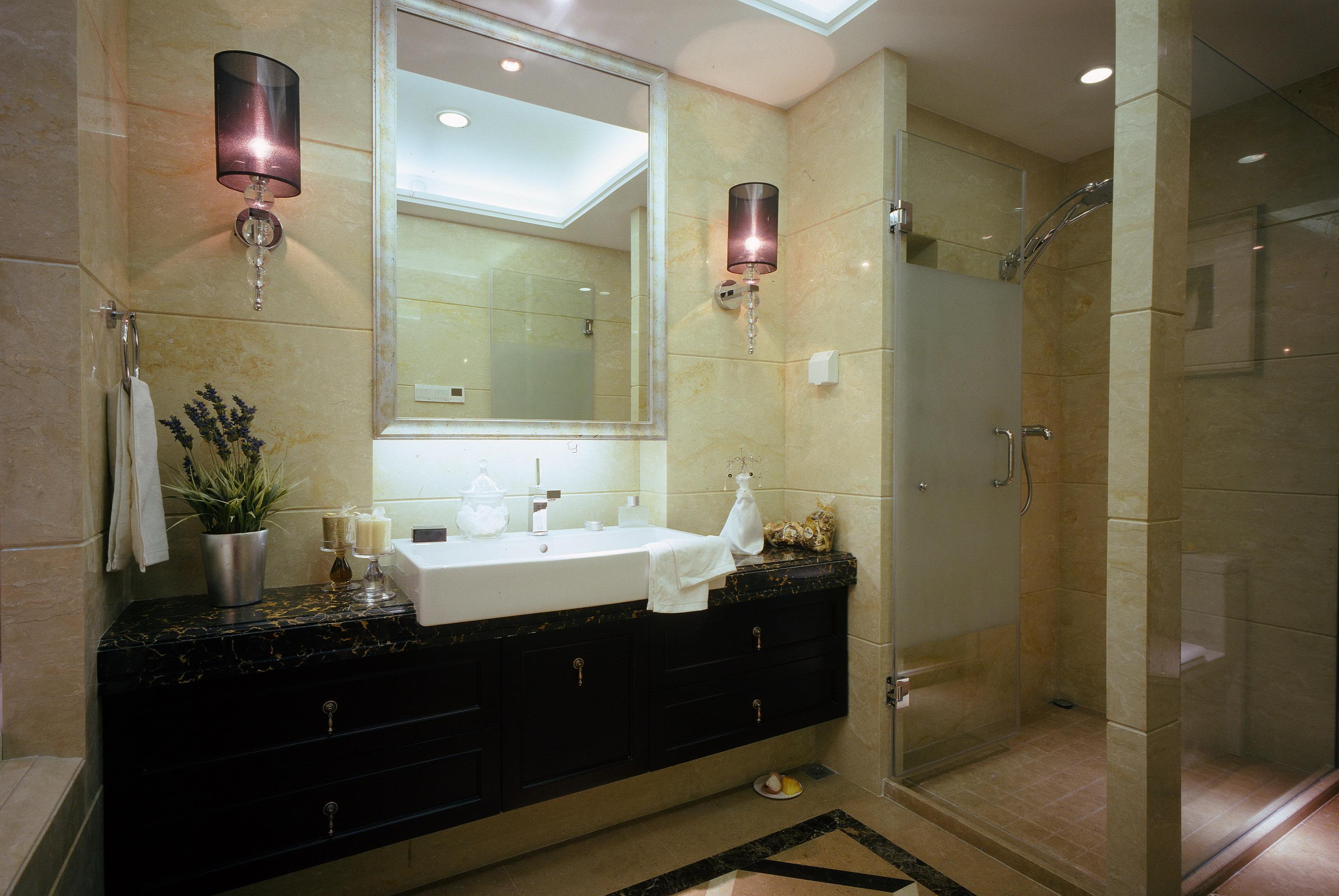 简欧风格样板房卫生间装修效果图