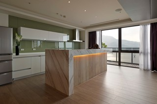 大户型现代风格厨房装修效果图