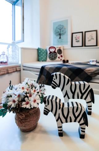 小户型北欧风装修卧室摆件特写