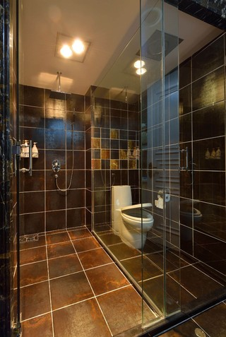 三居室现代混搭卫生间装修效果图