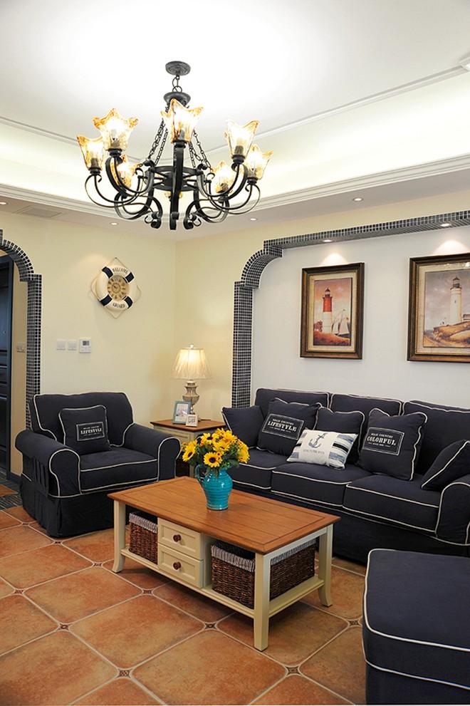 三居室地中海风格客厅装修设计图