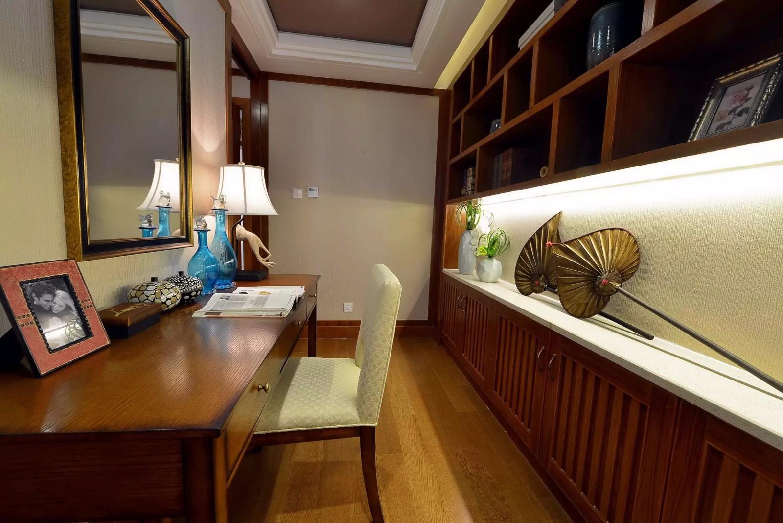 东南亚风格三居书房装修效果图