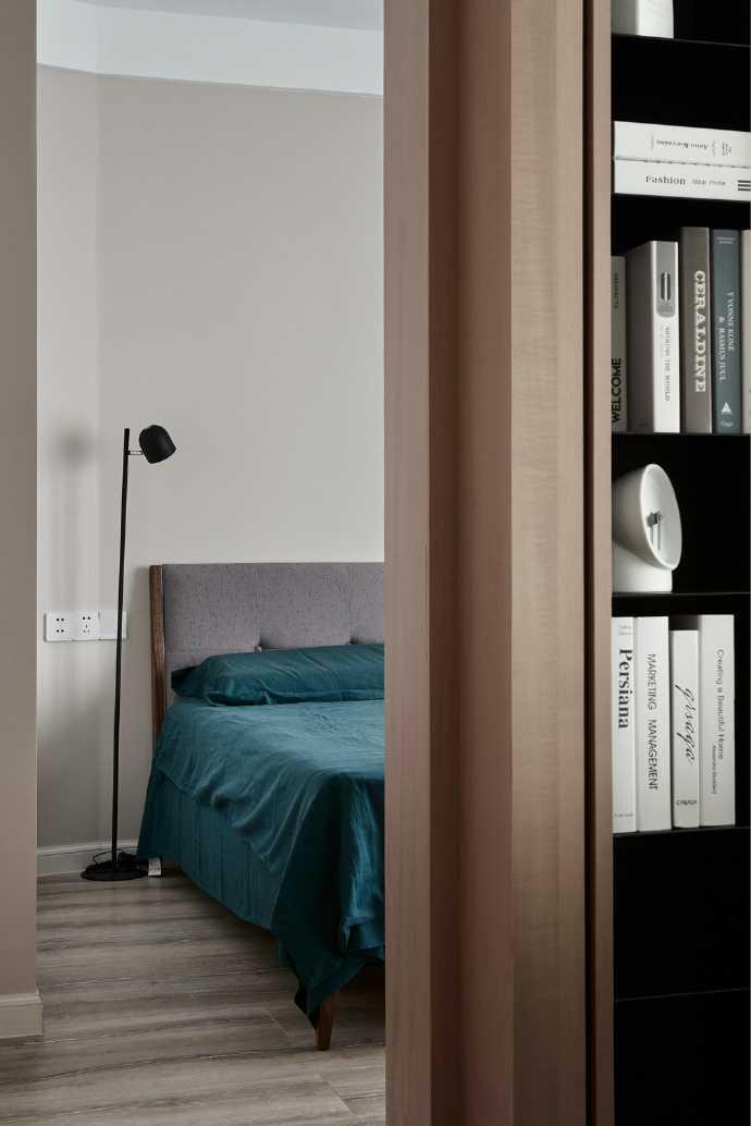 现代简约三居室装修书架设计图