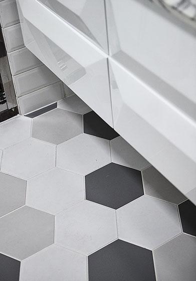 89㎡清新北欧风装修卫浴瓷砖图片