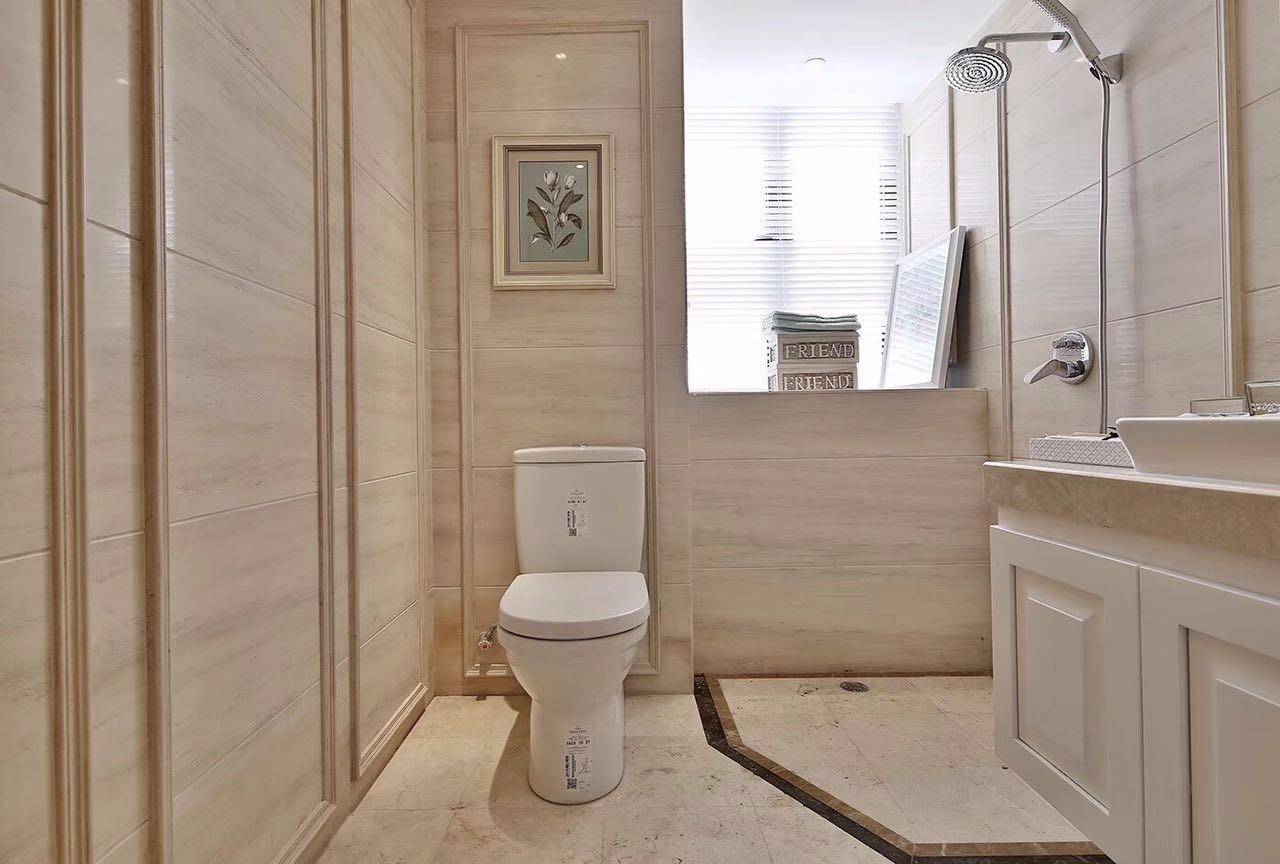 三居室简欧风格卫生间装修效果图
