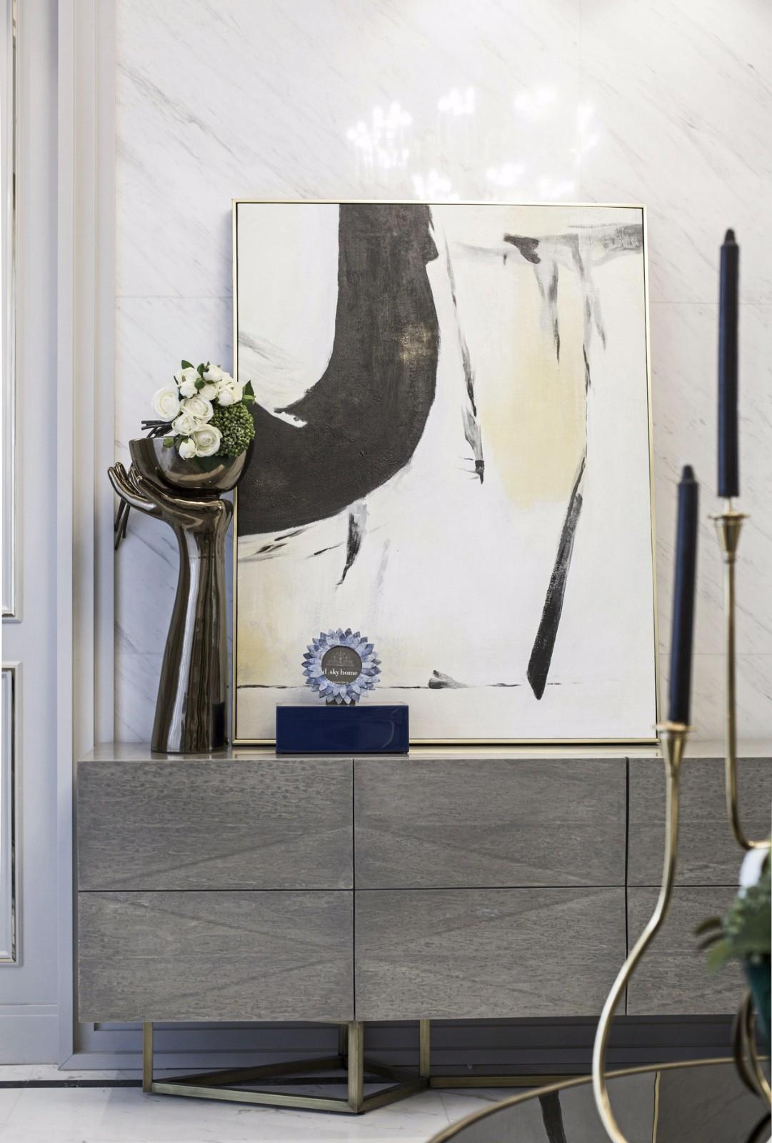 135㎡法式轻奢风装修边柜摆件设计图