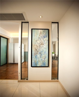 三居室现代简约玄关装修设计图