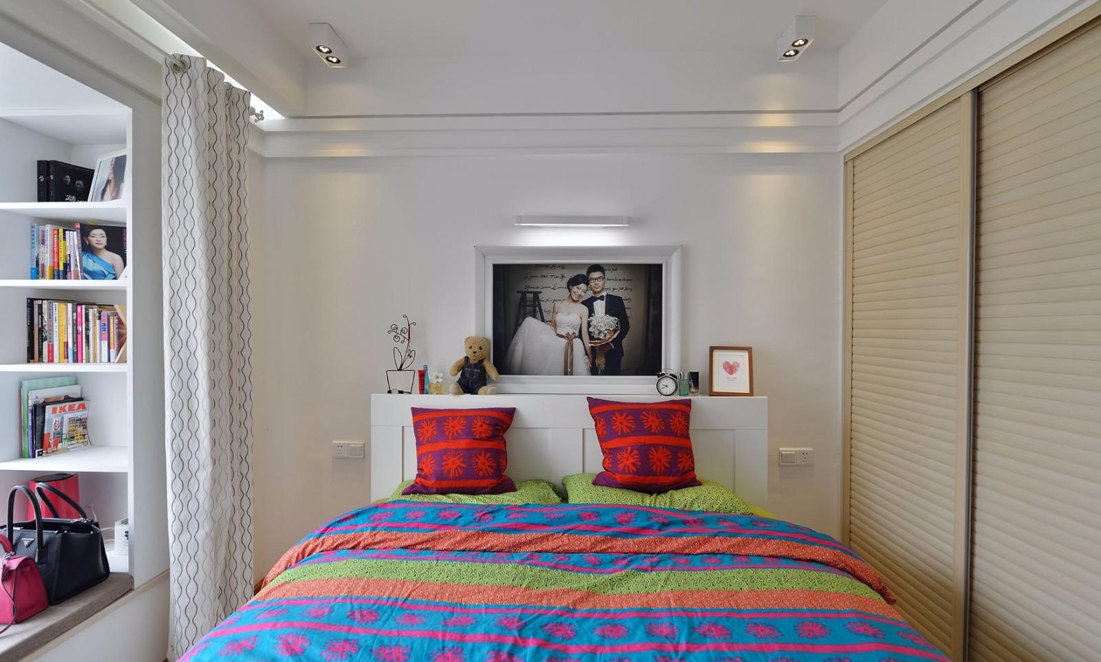 85平米二居卧室装修效果图