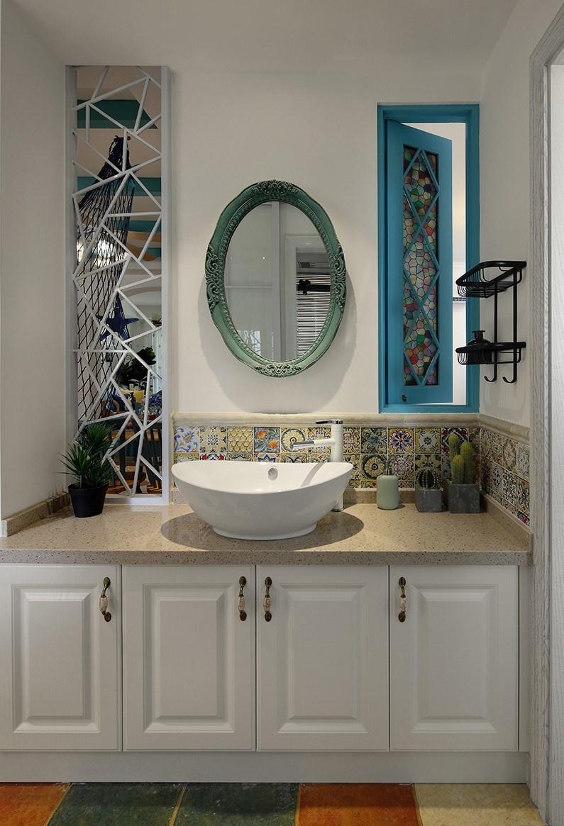 二居室地中海风格浴室柜装修效果图