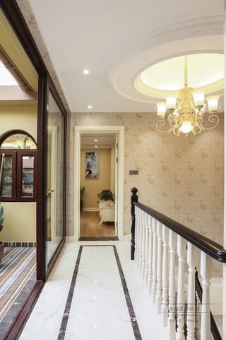 欧式风格别墅走廊装修效果图