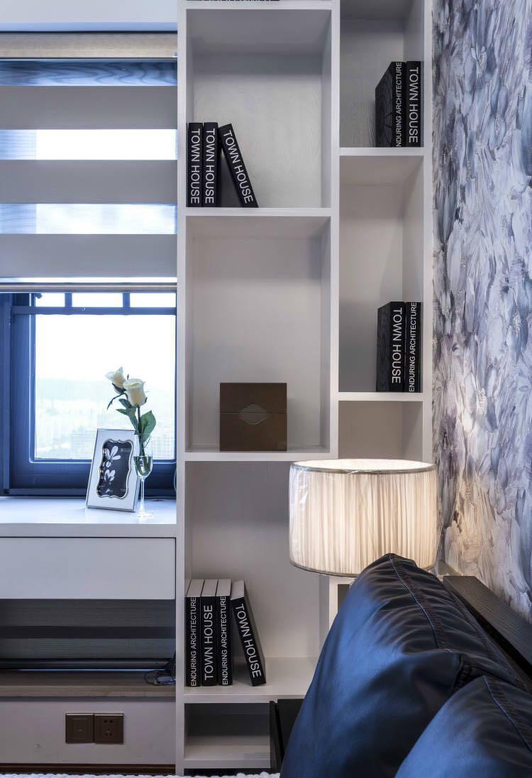 现代简约风格三居卧室书架装修效果图