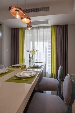 三居室混搭风格装修餐桌椅设计图
