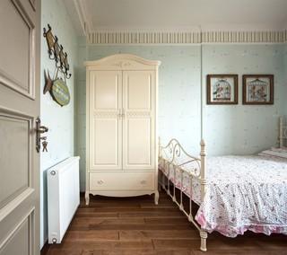 美式混搭风格三居装修衣柜设计图