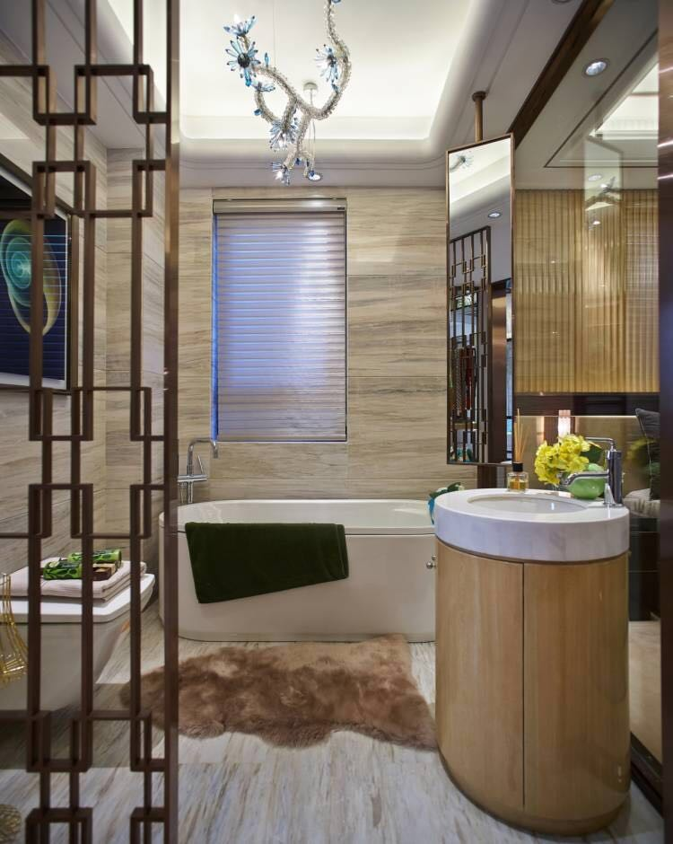 现代奢华大户型卫生间装修效果图