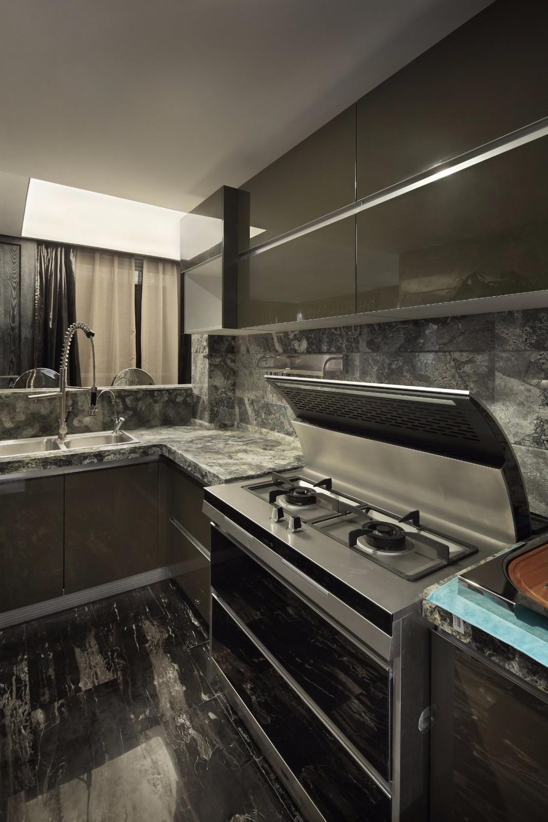 黑色调后现代风格厨房装修效果图