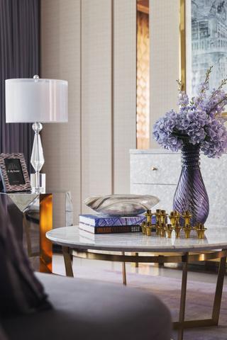 轻奢时尚三居室装修茶几设计图