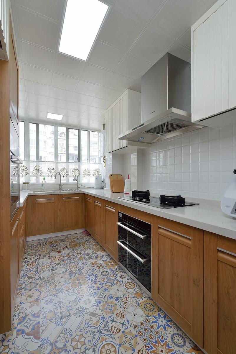 混搭风格两居室厨房装修设计图