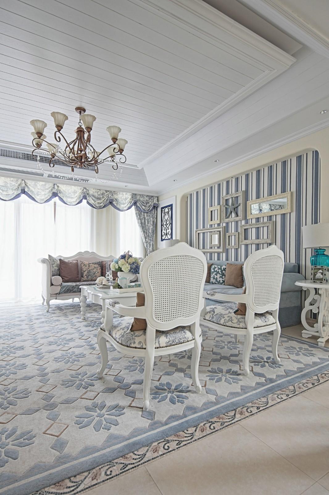 大户型地中海风格客厅装修搭配图