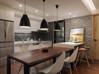 100平现代简约厨房装修效果图