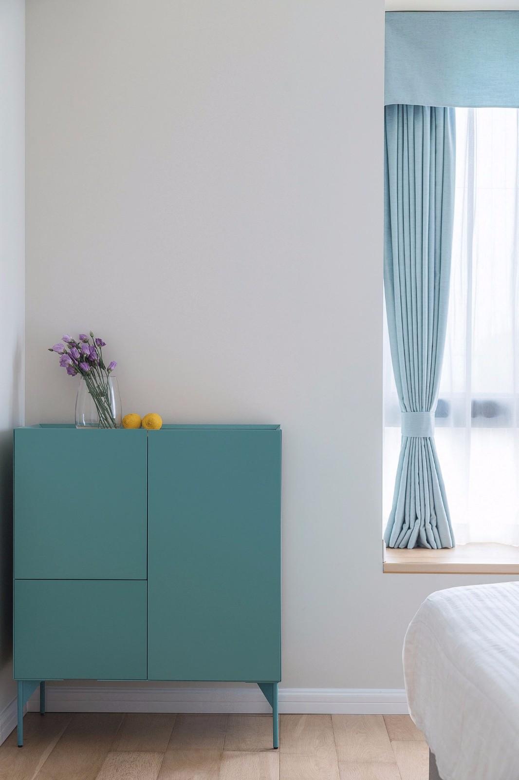 90㎡清新北欧风装修卧室边柜设计图