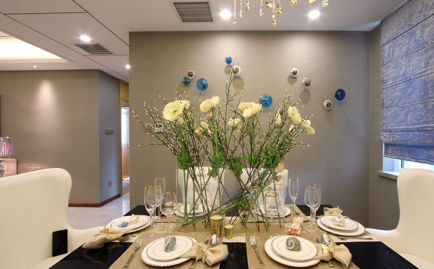 时尚简欧三居室餐厅装修效果图