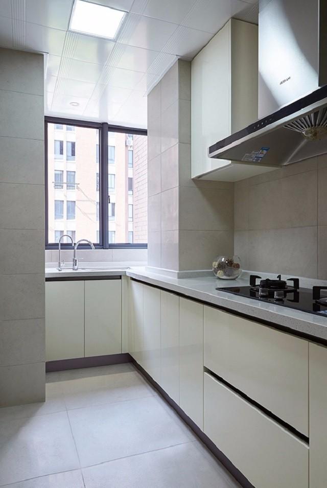 135平现代简约风格厨房装修效果图