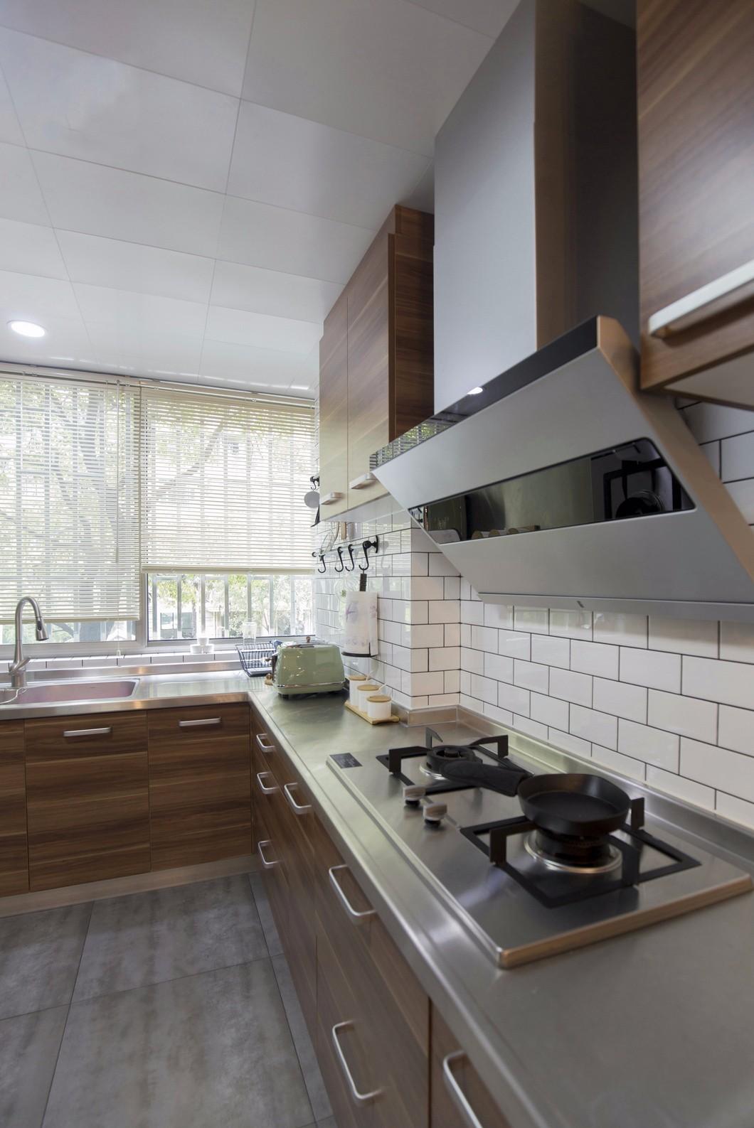 130㎡现代简约风厨房装修效果图