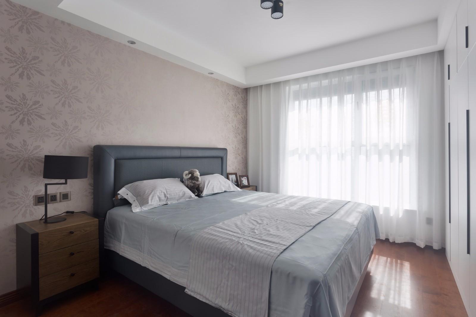 110㎡现代简约卧室装修效果图