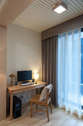 日式风格两居室装修阳台布置图