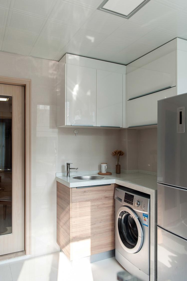 日式风格两居室装修厨房一角