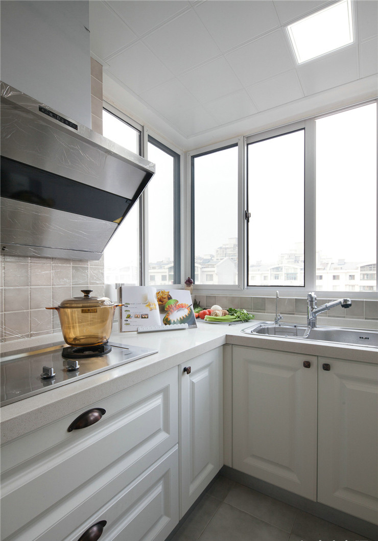 100平美式风格两居装修橱柜设计图