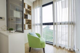 简约北欧三居室阳台装修效果图