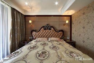 120平古典欧式卧室背景墙装修效果图