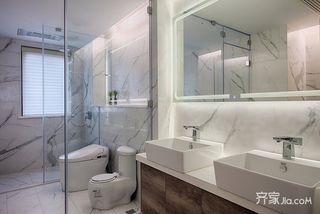 120平现代简约三居卫生间装修设计图