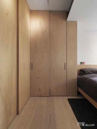 原木色卧室定制衣柜设计图
