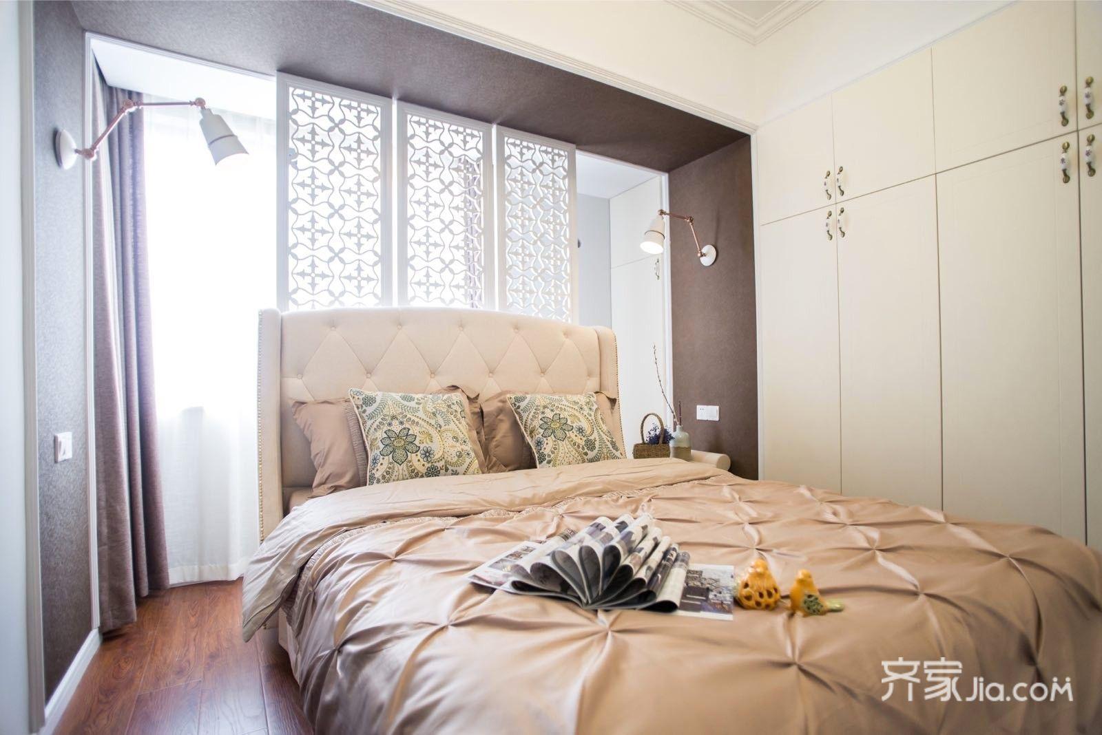 89平美式三居室装修床品搭配图