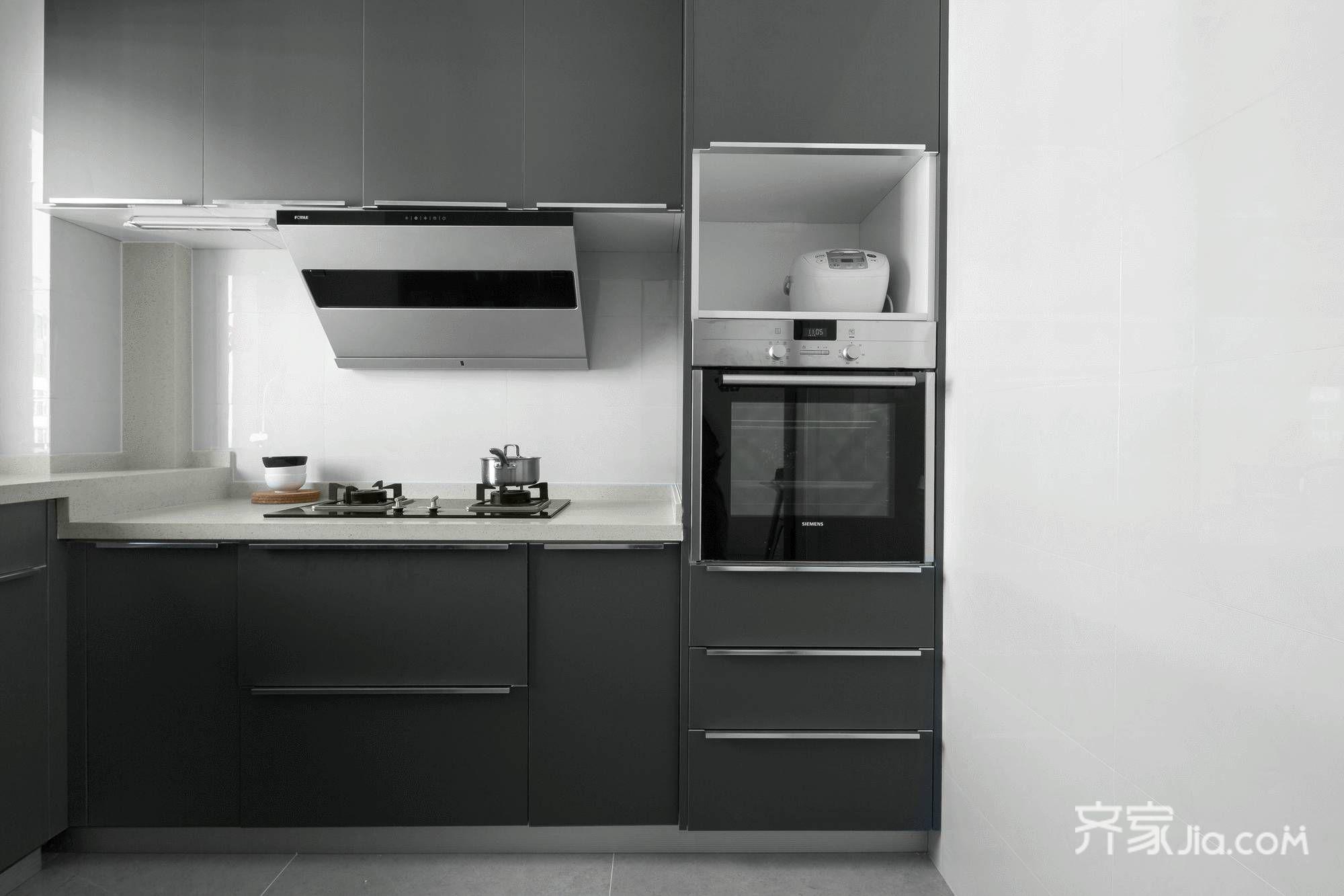 118平现代风格三居厨房装修效果图