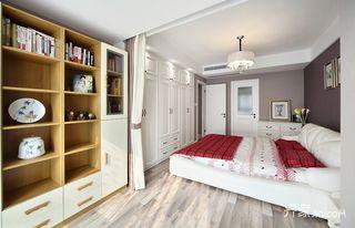 120平混搭三居装修书柜设计图