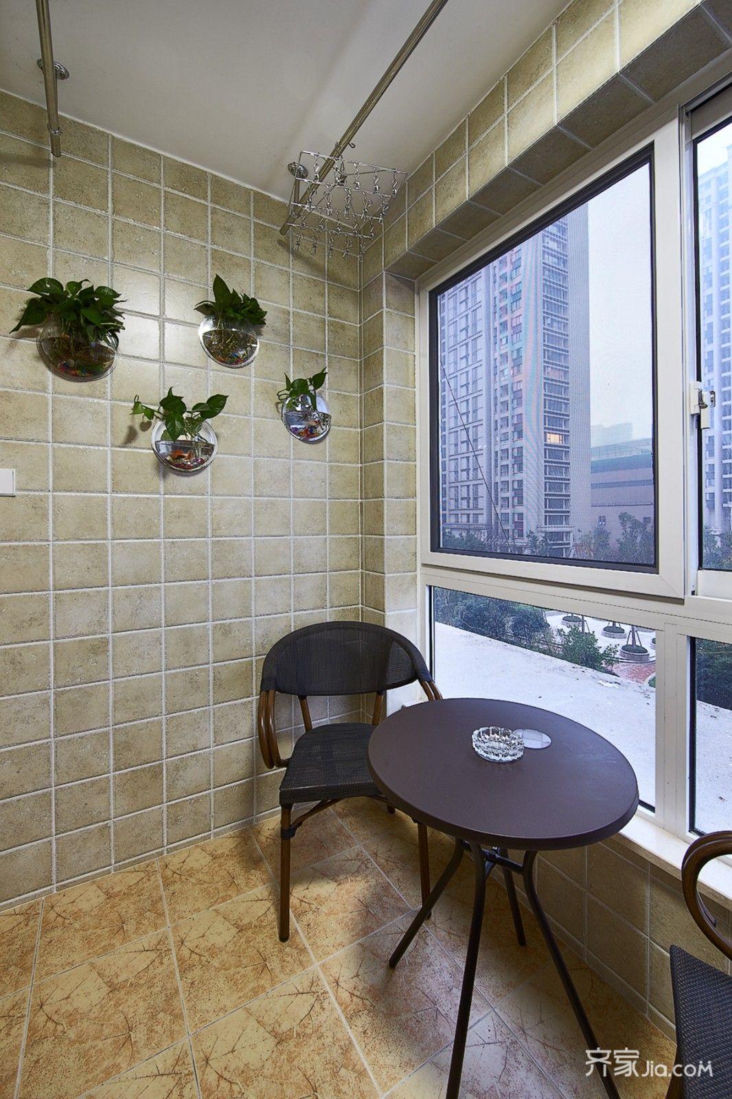 89平现代简约风三居装修阳台布置图