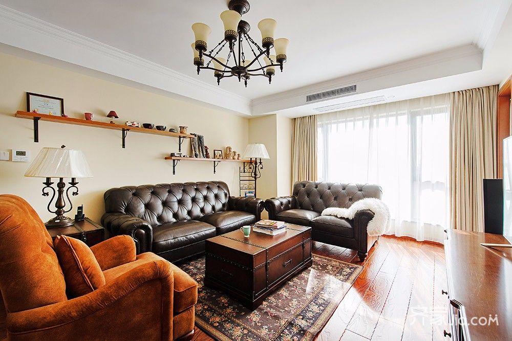 150平美式风格三居客厅吊顶装修效果图