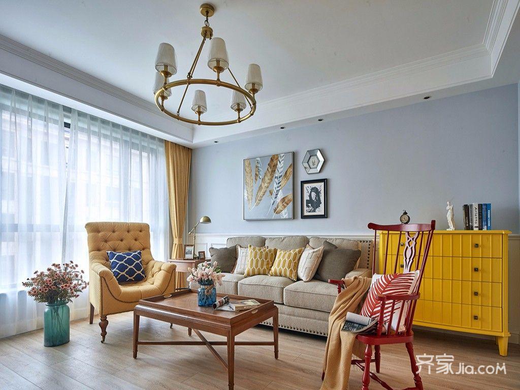 140平美式三居客厅吊顶装修效果图