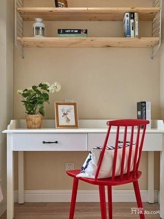 140平美式三居装修书桌椅搭配图