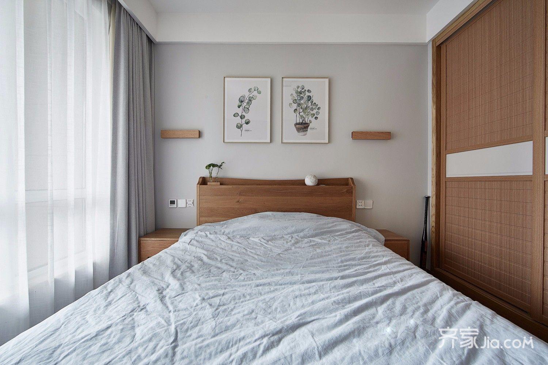 原木简约风三居卧室装修设计图