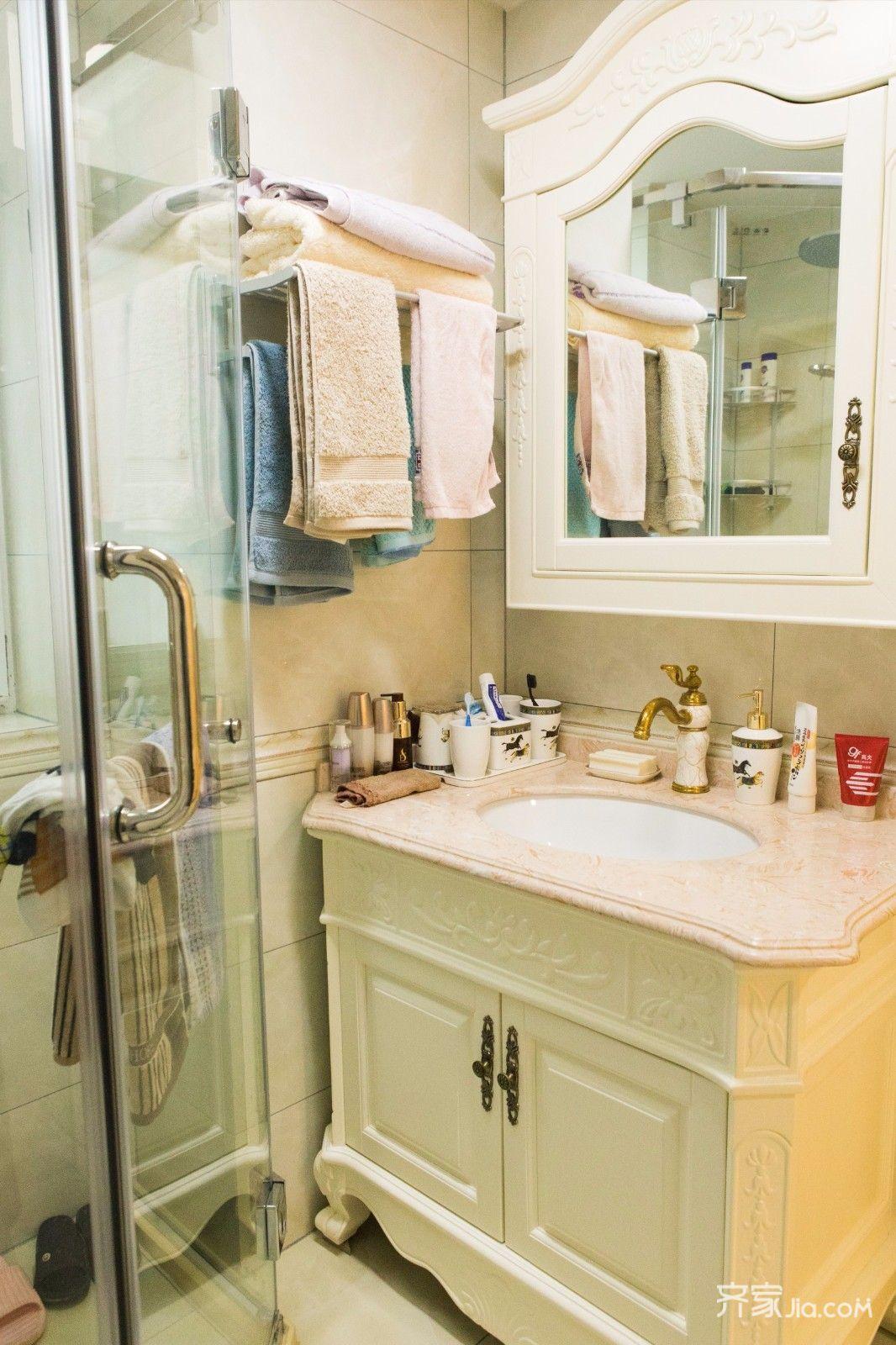 110平欧式风格三居装修浴室柜设计图