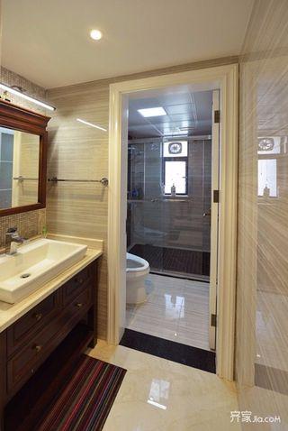 大户型美式卫生间装修设计效果图