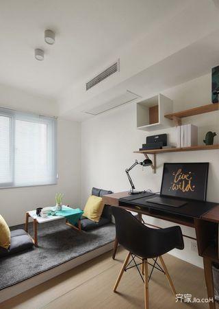 北欧风格三居室装修书房设计图