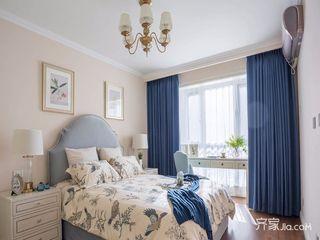 120平美式三居装修卧室搭配图